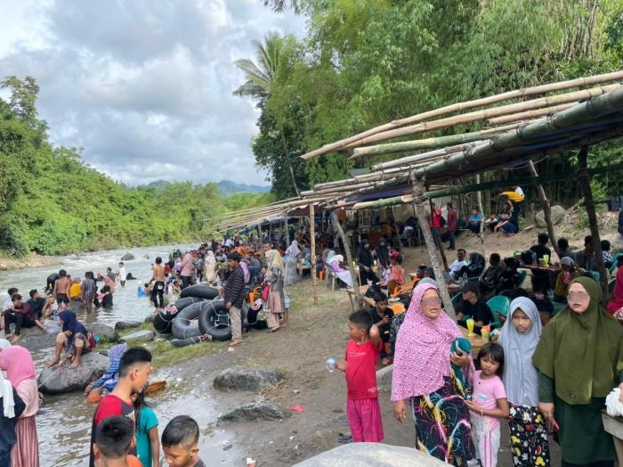 Hari 3 Lebaran, Objek Wisata Bate Iliek Bireun Dipadati Pengunjung