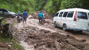 Gayo Lues Dilanda Longsor, Jalan Lintas Blangkejren – Kutacane Terputus