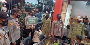 Personel Polres Lhokseumawe dan Tim Gabungan Tegur Puluhan Pelanggar Prokes