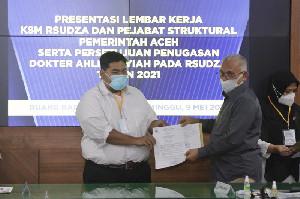 208 Dokter Spesialis RSUDZA Terima SK Gubernur, Sekda Minta Terapkan BEREH
