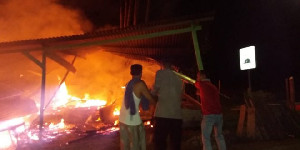 Dua unit Kedai Kontruksi Kayu di Aceh Utara Ludes Terbakar