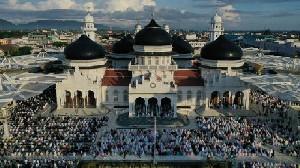 Jama'ah Padati Masjid Raya Baiturrahman Saat Sholat Ied
