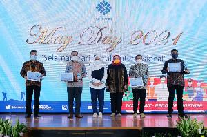 Solusi Bangun Andalas Raih Penghargaan dari Kementerian Ketenagakerjaan