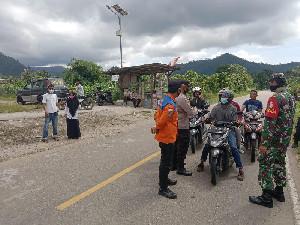 Jelang Lebaran, TNI-Polri Amankan Jalur Lalu Lintas di Trumon Timur