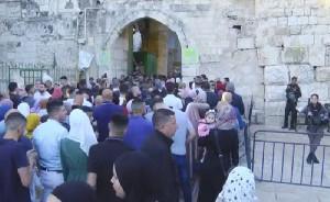 Ribuan Umat Muslim di Yerusalem Rayakan Idul Fitri di Suasana Perang