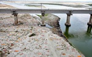 Sungai Gangga India Jadi Kuburan Massal