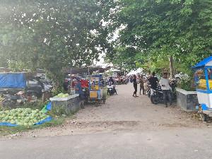 Setelah Petugas Pulang, Sejumlah Objek Wisata PantaiKembali Ramai Pengunjung