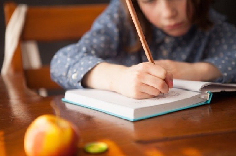 Manfaat Menulis Bagi Pertumbuhan Anak