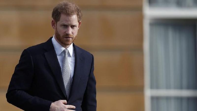 Pangeran Harry Menderita Karena Sosok Ayahnya