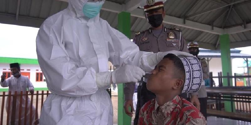 Santri di Aceh Swab Antigen