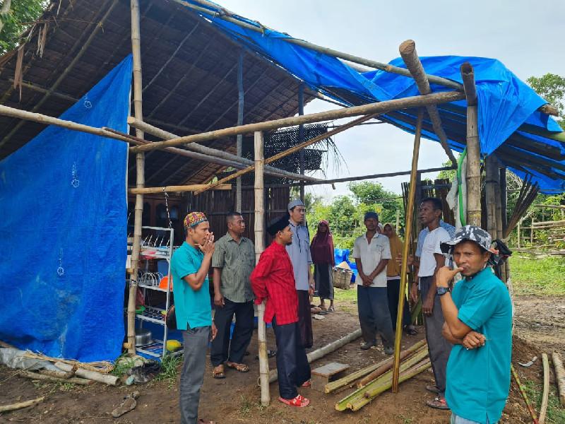 Warga Aceh Utara Hanya Tinggal  di Gubuk Menggunakan Terpal, Baitul Mal Bantu Rumah Darurat