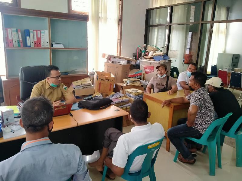 Keuchik dan Pemuda Desa Datangi Kantor Disperindagkop dan UKM Bireuen