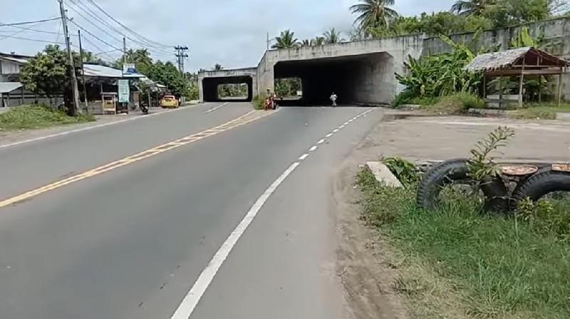 Masyarakat Mendesak Pemasangan Rambu Rambu Lalu Lintas Terowongan Rel Kereta Api Gandapura Bireuen Dialeksis Dialetika Dan Analisis