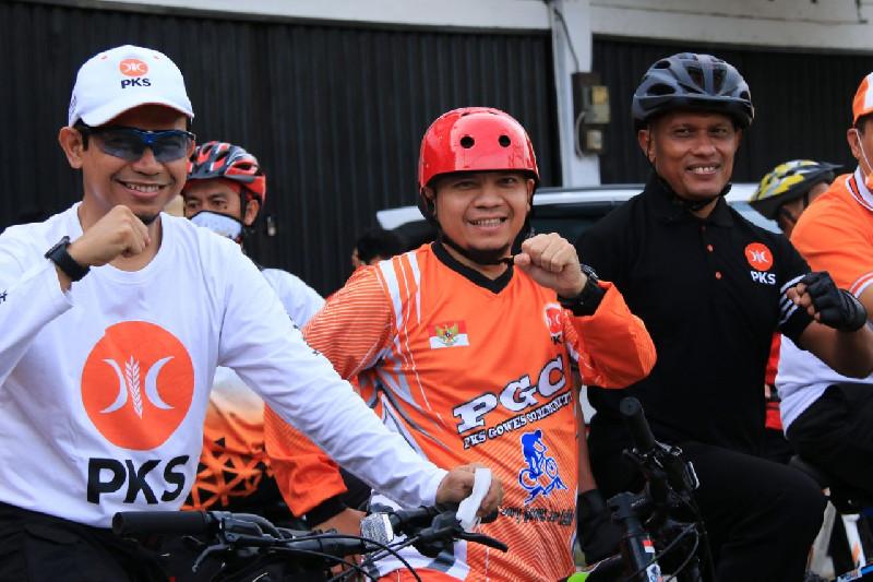 PKS Riau Gowes Sepeda, Hendry Munief: Ayo Jaga Kesehatan
