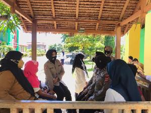 Polwan Polda Aceh Santuni Korban Kekerasan Seksual di Rumah Aman Darussa'adah