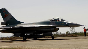 6 Pesawat Tempur F-16 Milik AS Latihan Bersama TNI AU