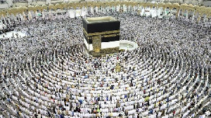 PAN Heran Kemenag Batalkan Haji