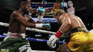 Mike Tyson: Mayweather harusnya Dia Lawan Pacquiao