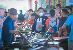 Wali Kota Banda Aceh Akrab dengan Pedagang Pasar Al-Mahirah
