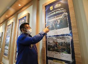 Wali Kota Banda Aceh Bagi Hadiah Lomba Foto Instagram Pasar Al-Mahirah