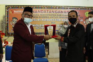 Panwaslih Aceh Tengah Lakukan MoU dan kerja sama dengan STIHMAD Takengon