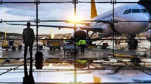 Mulai Besok, Hong Kong Larang Penerbangan dari Indonesia