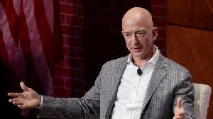 Jeff Bezos Keluar Angkasa Dan Deretan Resikonya