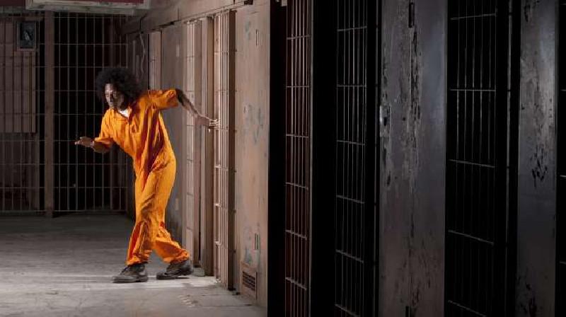 Sekap Petugas Jaga, Enam Tahanan Polres Aceh Tamiang Kabur
