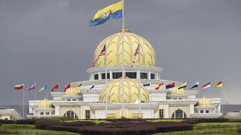 Malaysia Perpanjang Lockdown