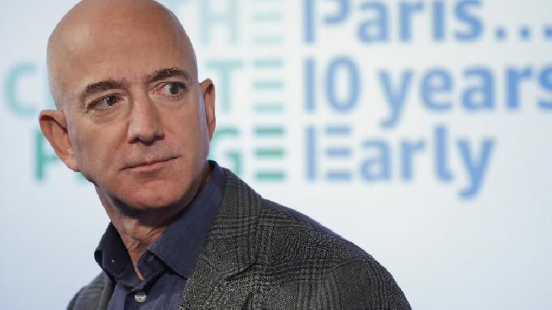 Jeff Bezos Jual Tiket ke Luar Angkasa, Laku 398 Miliar