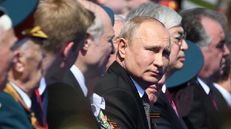 Putin DiIsukan Berikan Satelit Canggih untuk Iran