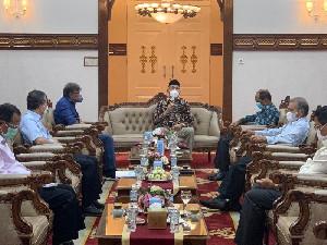 Gubernur Aceh Undang Rektor USK ke Pendopo, Tuntaskan Pembebasan Lahan