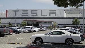 Orang Terkaya Vietnam Bangun Pabrik Mobil Listrik Saingan Tesla