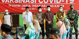 Satgas Covid-19 Aceh Menggelar Vaksinasi di Dayah Darul Ihsan