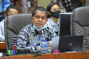 Bantu Layani Pasien Covid, Anggota DPR Usul Rakyat Dilatih Menjadi Tenaga Kesehatan