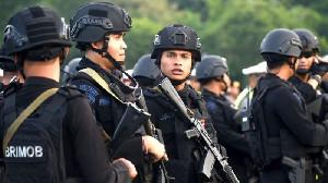 Alasan Lindungi Tersangka, Polisi Kawal Nia-Ardi Dengan Senjata