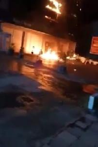 Kantor  Pusat Operasional  Bank Aceh Syariah Terbakar