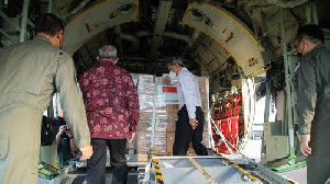 Indonesia Terima Bantuan Dari Singapura, Tabung Oksigen Hingga APD
