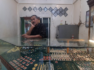 Dampak Covid-19, Pedagang Emas Alami Penurunan Hingga 75% Penjualan