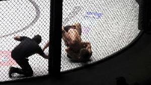 UFC Vegas, Dillshaw Menang Atas Sandhagen dengan Angka 32