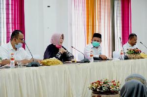 Bupati Aceh Besar dan Angggota DPR-RI Bahas Kesejahteraan Guru Daerah 3T