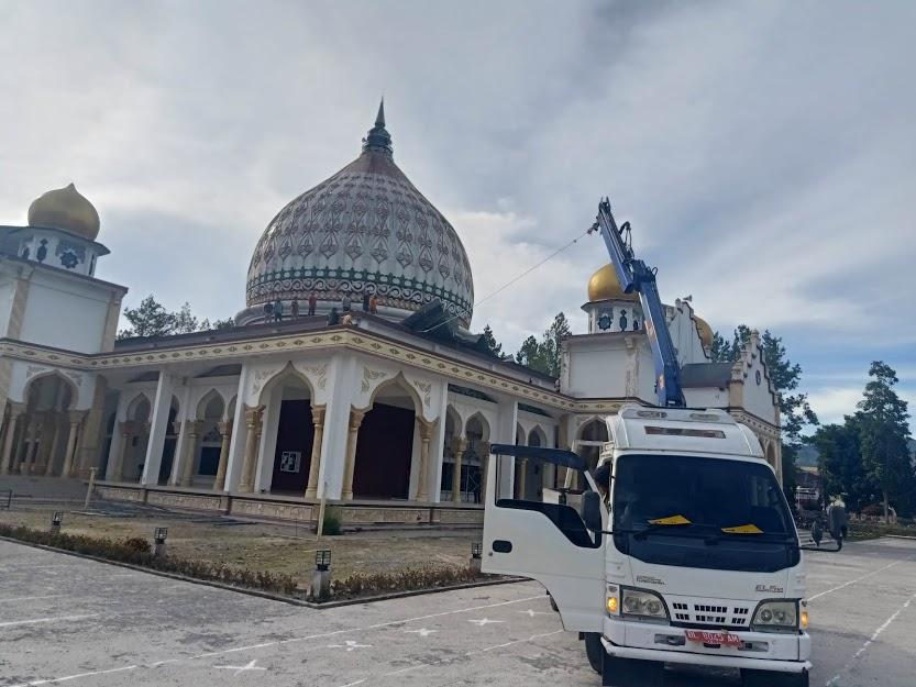 Angin Kencang Angkat Seng Masjid Raya Takengon
