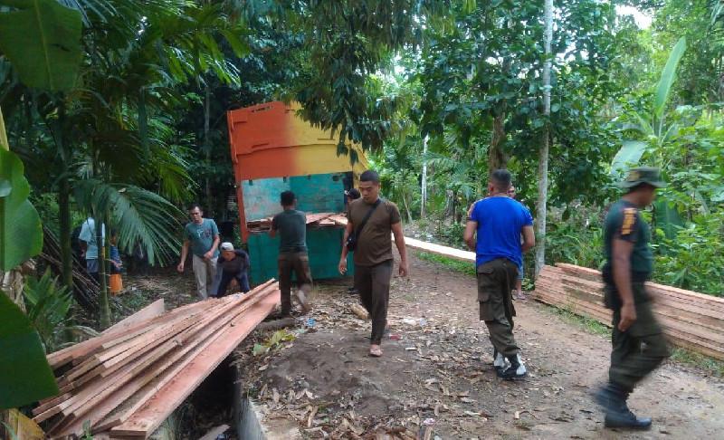 Foto-Foto Penangkapan Kayu Meranti Di Panton Bili, Pandrah