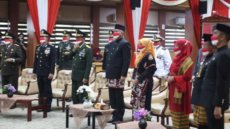 Walikota Aminullah Irup Penurunan Bendera di Banda Aceh