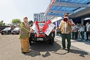 Ketua Satgas Melepas Gerakan Mobil Masker Untuk Masyarakat di Wilayah Jakarta