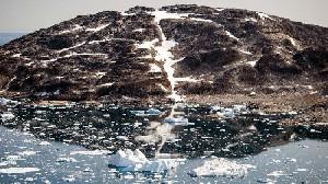 Para Ahli Khawatir Hujan Turun di Puncak ES Greenland