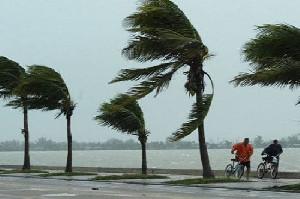 BMKG Ingatkan Waspada Angin Kencang dan Hujan Lebat di Aceh