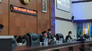 Gubernur Aceh Hadiri Rapat Paripurna Raqan LKPJ 2020