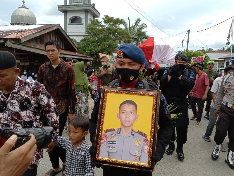 Gugur di Papua, Bharada Muhammad Kurniadi Dimakamkan di TMP Johar
