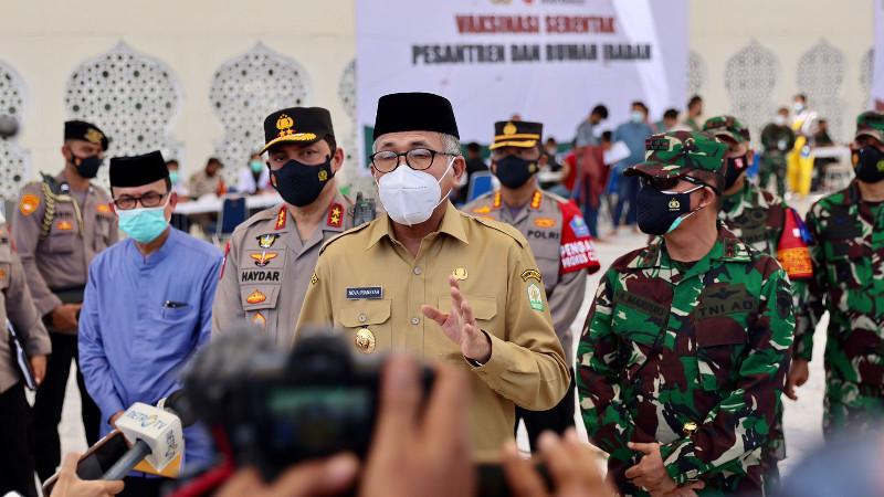 Gubernur Aceh Bersama Forkopimda Tinjau Pelaksanaan Vaksinasi Merdeka